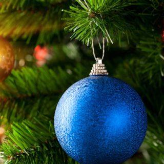 Blue Christmas ball 1366x768